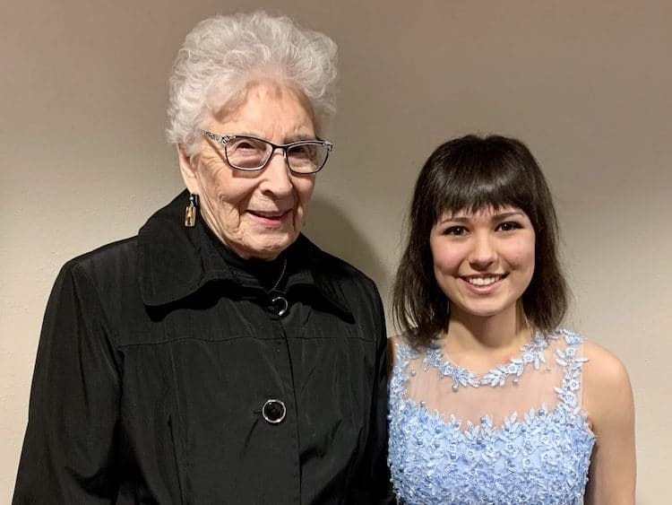Anna Beth Culver with winner, Emily Hauer The winner of the 1st place $2000 Anna Beth Culver Award is Emily Hauer, 18 yrs, Appleton, WI. She performed the Sibelius Violin Concerto in D minor, Op. 47, Allegro moderato with the LSO on March 7, 2020. Hauer studies with Ilana Setapen.